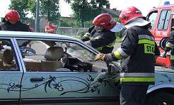 Rozcięli samochód i wyciągnęli kierowcę - Serwis informacyjny z Wodzisławia Śląskiego - naszwodzislaw.com
