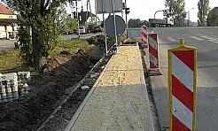 Powstaje chodnik przy skrzyżowaniu 1 Maja z Moszczeńską i Wodzisławską - Serwis informacyjny z Wodzisławia Śląskiego - naszwodzislaw.com