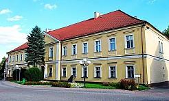 Na ulicy Piłsudskiego odnaleziono fosę! - Serwis informacyjny z Wodzisławia Śląskiego - naszwodzislaw.com