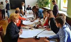 Młodzi zdali egzamin z demokracji - Serwis informacyjny z Wodzisławia Śląskiego - naszwodzislaw.com