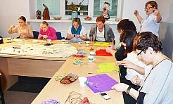 Uczyli się robić biżuterię sutasz  - Serwis informacyjny z Wodzisławia Śląskiego - naszwodzislaw.com