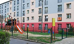 Wyremontowali plac zabaw przy ulicy 26 Marca  - Serwis informacyjny z Wodzisławia Śląskiego - naszwodzislaw.com