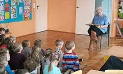 Babcie z okazji swojego święta przeczytały wnukom bajkę  - Serwis informacyjny z Wodzisławia Śląskiego - naszwodzislaw.com