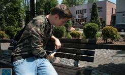 """Usiądź i przeczytaj. Rydułtowskie ławki """"przedstawiają"""" postacie szczególnie zasłużone dla Miasta - Serwis informacyjny z Wodzisławia Śląskiego - naszwodzislaw.com"""
