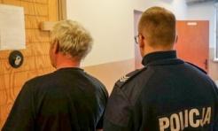 Jechał na mocnym gazie, a po zatrzymaniu próbował wręczyć policjantom 50 zł łapówki! - Serwis informacyjny z Wodzisławia Śląskiego - naszwodzislaw.com