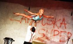 Sceniczna petarda Teatru Polska w Rydułtowskim Centrum Kultury  - Serwis informacyjny z Wodzisławia Śląskiego - naszwodzislaw.com