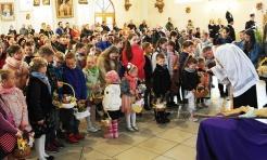 Święcenie pokarmów w Zawadzie  - Serwis informacyjny z Wodzisławia Śląskiego - naszwodzislaw.com