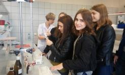 Poszerzali swoje zainteresowania z chemii i biologii. Uczniowie I LO w Sosnowcu - Serwis informacyjny z Wodzisławia Śląskiego - naszwodzislaw.com