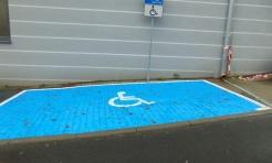 Przy MOPS-ie przygotowanie miejsce parkingowe dla osób niepełnosprawnych - Serwis informacyjny z Wodzisławia Śląskiego - naszwodzislaw.com