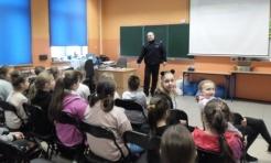 Bo najważniejsze jest bezpieczeństwo. Policjanci prowadzą prelekcje  - Serwis informacyjny z Wodzisławia Śląskiego - naszwodzislaw.com