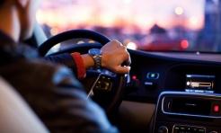 Rozmawiasz przez telefon prowadząc auto? Dzisiaj policja to sprawdzi - Serwis informacyjny z Wodzisławia Śląskiego - naszwodzislaw.com