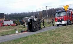 Auto dachowało w Zawadzie  - Serwis informacyjny z Wodzisławia Śląskiego - naszwodzislaw.com