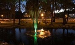 Nowa fontanna w mszańskim parku świeci kolorami tęczy - Serwis informacyjny z Wodzisławia Śląskiego - naszwodzislaw.com