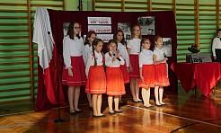 Uczniowie SP 15 uczcili odzsykanie przez Polskę niepodległości - Serwis informacyjny z Wodzisławia Śląskiego - naszwodzislaw.com