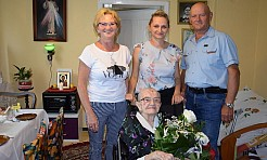 Wójt Mirosław Szymanek odwiedził najstarszą mieszkankę gminy Mszana - Serwis informacyjny z Wodzisławia Śląskiego - naszwodzislaw.com