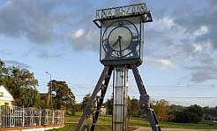 W centrum Mszany stanął zegar - Serwis informacyjny z Wodzisławia Śląskiego - naszwodzislaw.com