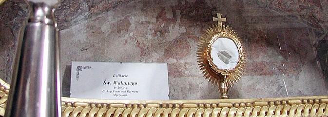 Św. Walenty - patron zakochanych, ale i... obłąkanych. Relikwie znajdują się w Rudach - Serwis informacyjny z Wodzisławia Śląskiego - naszwodzislaw.com