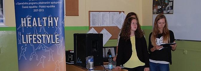 O anoreksji i bulimii z Czeskimi przyjaciółmi - Healthy Lifestyle w ZSP Pszowie - Serwis informacyjny z Wodzisławia Śląskiego - naszwodzislaw.com