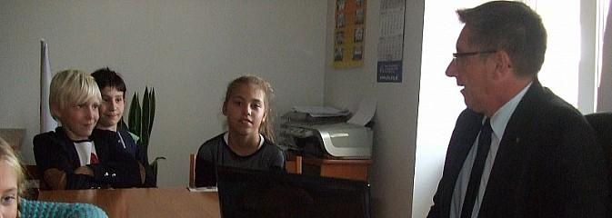 Młodzi dziennikarze odwiedzili Posła - Serwis informacyjny z Wodzisławia Śląskiego - naszwodzislaw.com