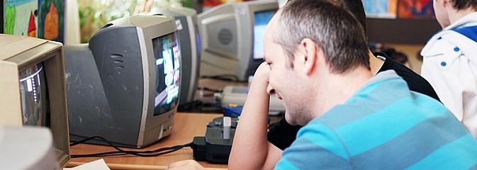 Powrót do przeszłości, czyli Festiwal Dawnych Gier Komputerowych w Radlinie - Serwis informacyjny z Wodzisławia Śląskiego - naszwodzislaw.com