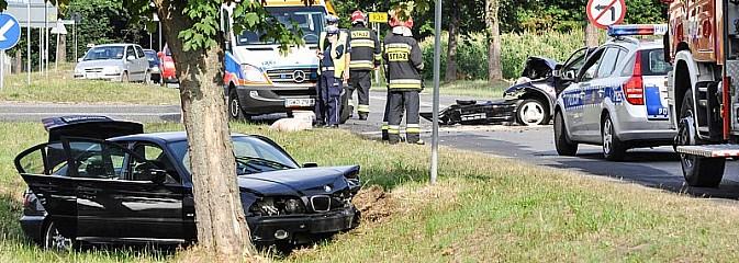 BMW i opel - pojazdy z powiatu wodzisławskiego zderzyły się w Rzuchowie - Serwis informacyjny z Wodzisławia Śląskiego - naszwodzislaw.com