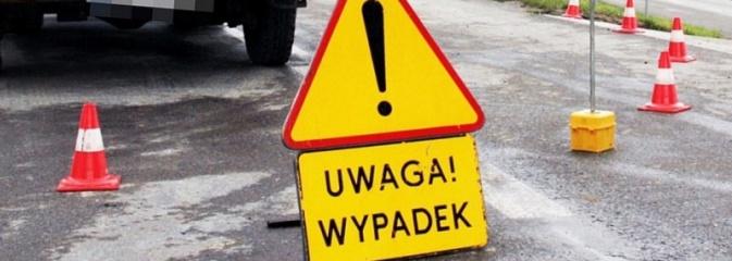 Wodzisław: Pieszy wtargnął na jezdnię prosto pod samochód - Serwis informacyjny z Wodzisławia Śląskiego - naszwodzislaw.com