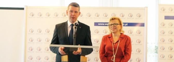 Pochylono się nad problemem niskiej emisji i roli samorządów i przedsiębiorstw w tej kwestii - Serwis informacyjny z Wodzisławia Śląskiego - naszwodzislaw.com