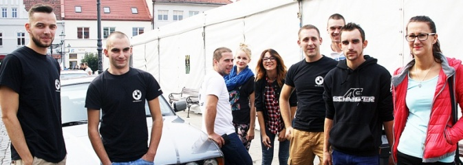 Oktoberfest w Wodzisławiu: Ryk silników i zapach benzyny, czyli zlot BMW na rynku - Serwis informacyjny z Wodzisławia Śląskiego - naszwodzislaw.com