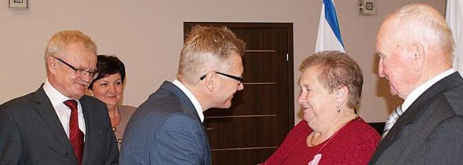 Pary małżeńskie z 50-letnim i 60-letnim stażem odebrały medale - Serwis informacyjny z Wodzisławia Śląskiego - naszwodzislaw.com