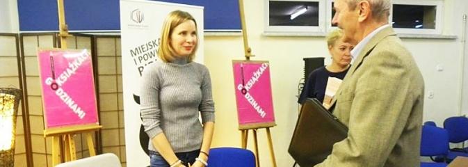 Anna Dziewit-Meller gościła w wodzisławskiej bibliotece - Serwis informacyjny z Wodzisławia Śląskiego - naszwodzislaw.com