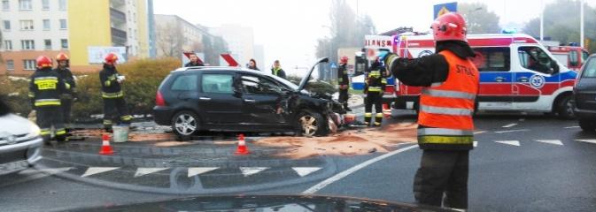 Atak padaczki przyczyną wypadku. Zderzenie trzech pojazdów na Radlińskiej  - Serwis informacyjny z Wodzisławia Śląskiego - naszwodzislaw.com
