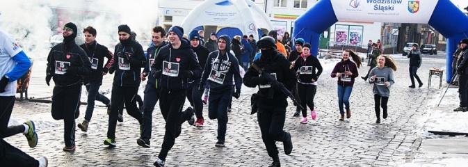 Bieg Policz się z cukrzycą i ucz się pierwszej pomocy. 28 osób wystartowało z wodzisławskiego Rynku  - Serwis informacyjny z Wodzisławia Śląskiego - naszwodzislaw.com