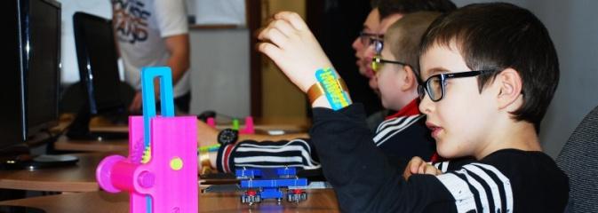 Uczniowie z ZPSWR w Wodzisławiu Śląskim zapoznawali się z zasadą druku 3D - Serwis informacyjny z Wodzisławia Śląskiego - naszwodzislaw.com