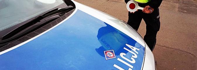 Dzielnicowy uratował samochód przed spaleniem. Właściciele dziękują za pomoc  - Serwis informacyjny z Wodzisławia Śląskiego - naszwodzislaw.com