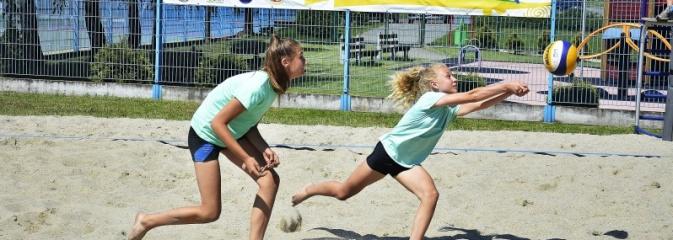 Ciąg dalszy turnieju siatkówki. Dzisiaj grają dziewczyny  - Serwis informacyjny z Wodzisławia Śląskiego - naszwodzislaw.com