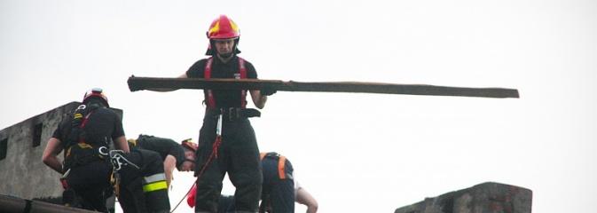 Uszkodzone dachy, połamane drzewa, pozalewane drogi. Nawałnica wyrządziła wiele szkód w regionie - Serwis informacyjny z Wodzisławia Śląskiego - naszwodzislaw.com