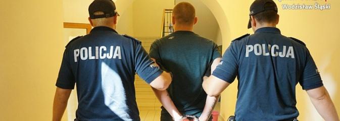 Kolejny sutener w rękach policjantów. Pszowianin prowadził w Rydułtowach agencję towarzyską  - Serwis informacyjny z Wodzisławia Śląskiego - naszwodzislaw.com