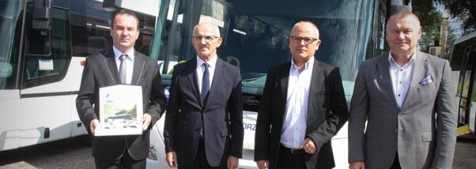 PKS Racibórz z nowymi autobusami. Będą kursować po naszym regionie  - Serwis informacyjny z Wodzisławia Śląskiego - naszwodzislaw.com