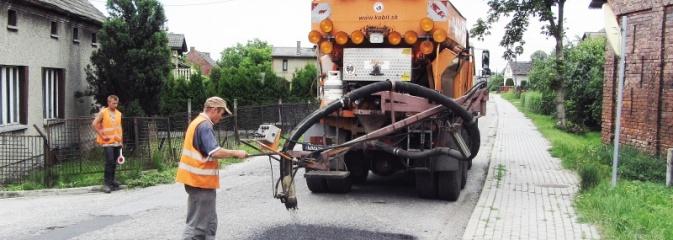 Specjalne urządzenie będzie naprawiało powiatowe drogi  - Serwis informacyjny z Wodzisławia Śląskiego - naszwodzislaw.com