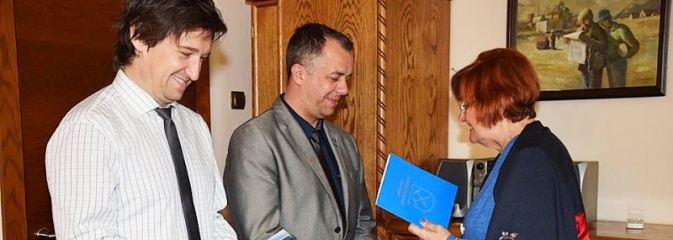 Burmistrz Rydułtów i dyrektor kopalni podziękowali górnikom, którzy rzucili się na pomoc tonącemu aktorowi w Czechach - Serwis informacyjny z Wodzisławia Śląskiego - naszwodzislaw.com