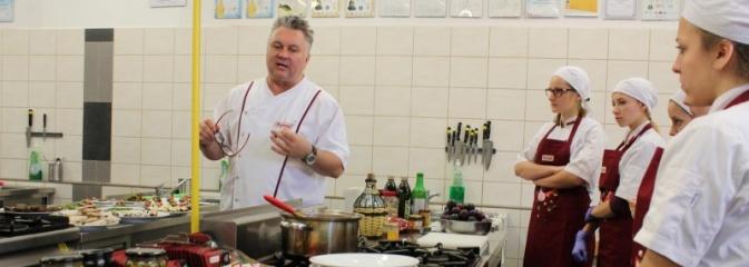 Robert Sowa po raz drugi gotował w Ekonomiku  - Serwis informacyjny z Wodzisławia Śląskiego - naszwodzislaw.com