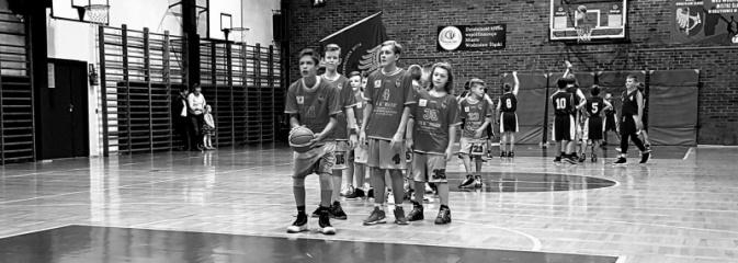 Piąty mecz i piąte zwycięstwo koszykarzy MKS Wodzisław. Młodzicy młodsi U13M wygrywają w Jaworznie - Serwis informacyjny z Wodzisławia Śląskiego - naszwodzislaw.com