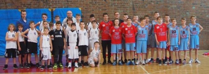 Wodzisławscy koszykarze wygrywają wszystkie 3 spotkania turniejowe! - Serwis informacyjny z Wodzisławia Śląskiego - naszwodzislaw.com