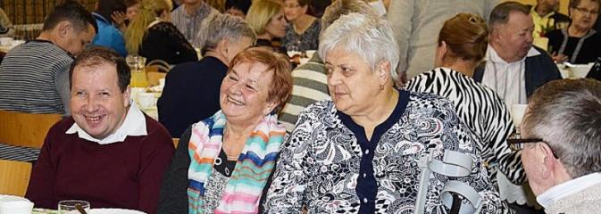 Spotkanie opłatkowe dla osób niepełnosprawnych i osób samotnych w Mszanie - Serwis informacyjny z Wodzisławia Śląskiego - naszwodzislaw.com