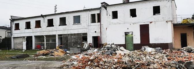 Były hotel przy Czyżowickiej do rozbiórki. Powstaje Centrum Usług Społecznych. ZDJĘCIA  - Serwis informacyjny z Wodzisławia Śląskiego - naszwodzislaw.com