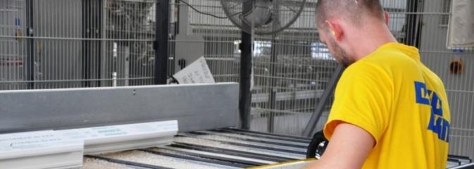1000 zł dla nowego pracownika. EKO-OKNA S.A. oferują premię aktywizacyjną - Serwis informacyjny z Wodzisławia Śląskiego - naszwodzislaw.com