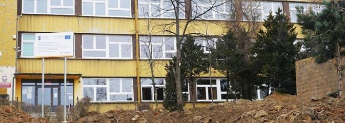Trwa termomodernizacja budynku SP nr 3  - Serwis informacyjny z Wodzisławia Śląskiego - naszwodzislaw.com