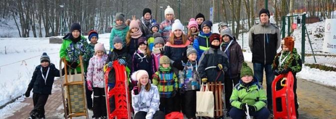 Zawody saneczkarskie w Rodzinnym Parku Rozrywki. FOTO  - Serwis informacyjny z Wodzisławia Śląskiego - naszwodzislaw.com