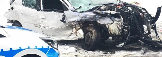 Nadmierna prędkość przyczyną zdarzenia. Kierowca sobotniego wypadku w szpitalu, jego stan jest ciężki  - Serwis informacyjny z Wodzisławia Śląskiego - naszwodzislaw.com