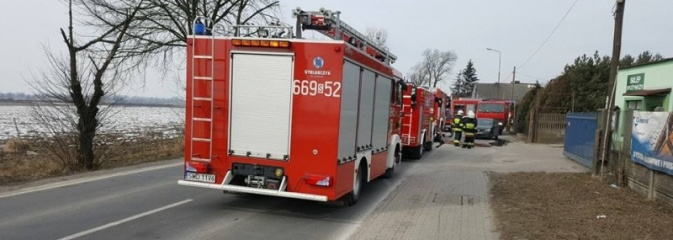 40 strażaków walczyło z pożarem domu jednorodzinnego w Lubomi  - Serwis informacyjny z Wodzisławia Śląskiego - naszwodzislaw.com